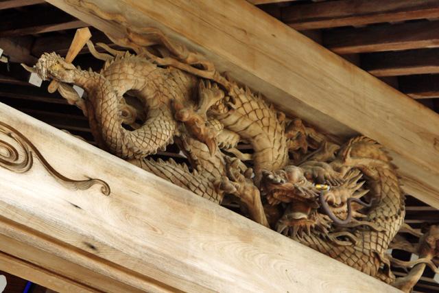 洞玄寺の龍の彫刻の写真