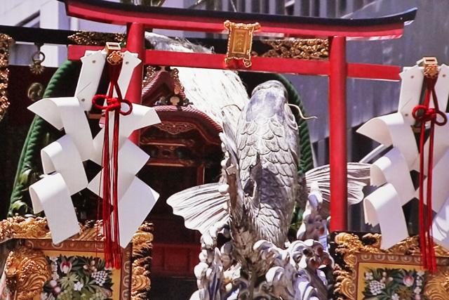 祇園祭の鯉山の写真