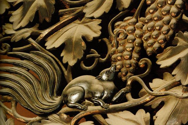 西本願寺の彫刻の写真