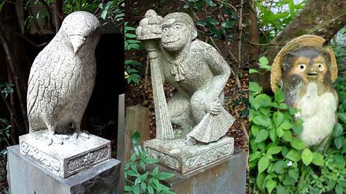 大豊神社の狛鳶と狛猿
